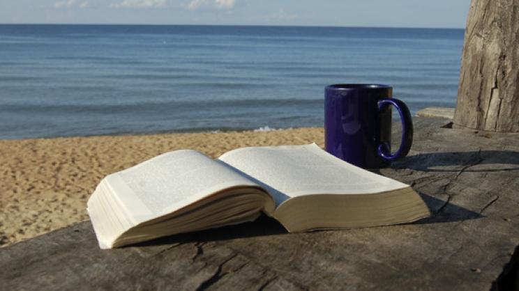 Αντί για Wifi, δωρεάν βιβλία στην παραλία!