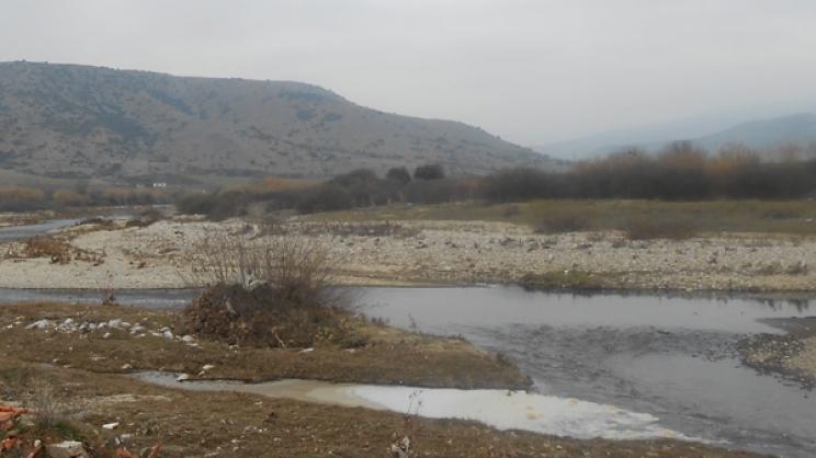 Αυστηρές ποινές για όσους μολύνουν το ποτάμι