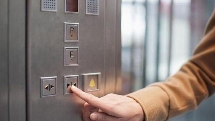 Καταδικάστηκε «ελαφροχέρης» των ασανσέρ